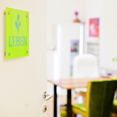 Wenn Sie zum Therma Leben-Gesundheit-Kraft-Energie ein Angebot haben, dann können Sie Räume bei uns mitbenützen.